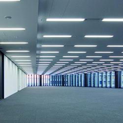 200Vの照明器具にも対応 パワーリレーを使って電源そのものを入切させます。そのためオフィスでよく使われる200Vのシステム照明にも対応。 ※壁スイッチにはA接点押しボタンを採用します。