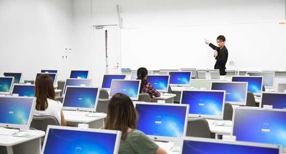 学校視聴覚室