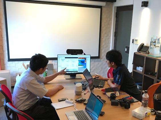 株式会社グリーンワークス新大阪でトレーニングを受ける代理人の技術者